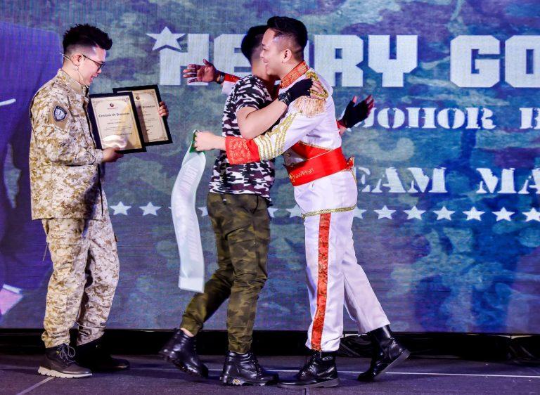 14_Award_opt
