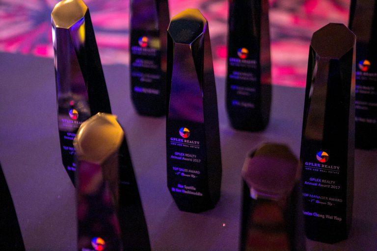 4_Award_opt